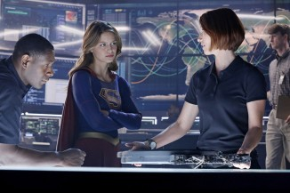 la-et-hc-supergirl-full-season-order-cbs-20151130