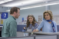 grace-and-frankie-season-2-still-2