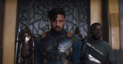 Marvel Studios' BLACK PANTHER..L to R: Erik Killmonger (Michael B. Jordan) and W'Kabi (Daniel Kaluuya)..Ph: Film Frame..©Marvel Studios 2018